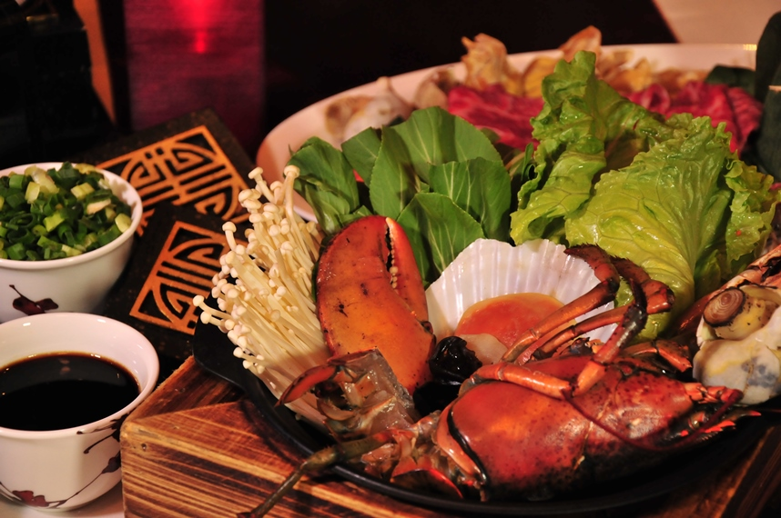 Boston Lobster and Seafood Set